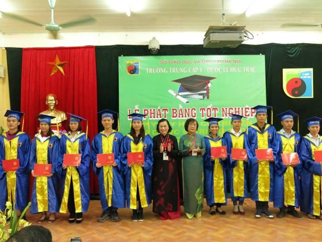 Lễ trao bằng tốt nghiệp Y sỹ YHCT và Dược sỹ trung cấp K6