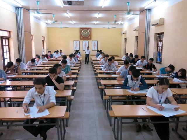 Trường trung cấp y dược Lê Hữu Trác tổ chức kỳ thi Tốt nghiệp cho các học sinh KY7
